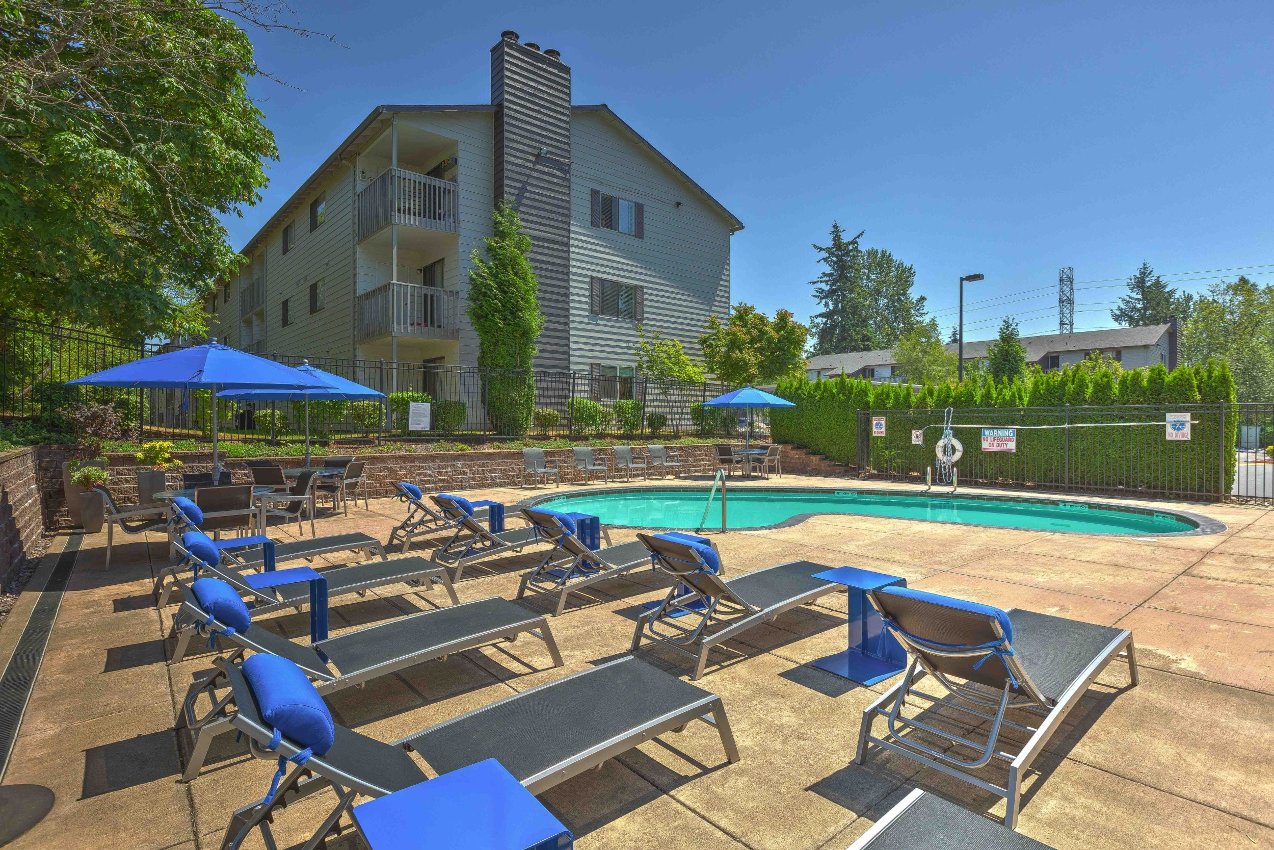 skyview-apartments-pool-2