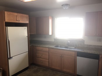 1973 Highland Street 1-3 Beds Apartment for Rent Photo Gallery 1