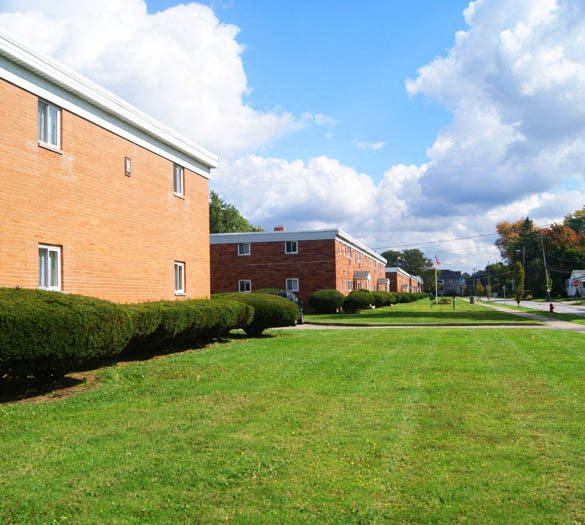 Emerald Hills Apartments: Apartments In Willoughby, OH