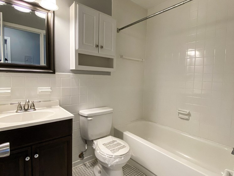 Eastlake Terrace 2 Bedroom Bathroom