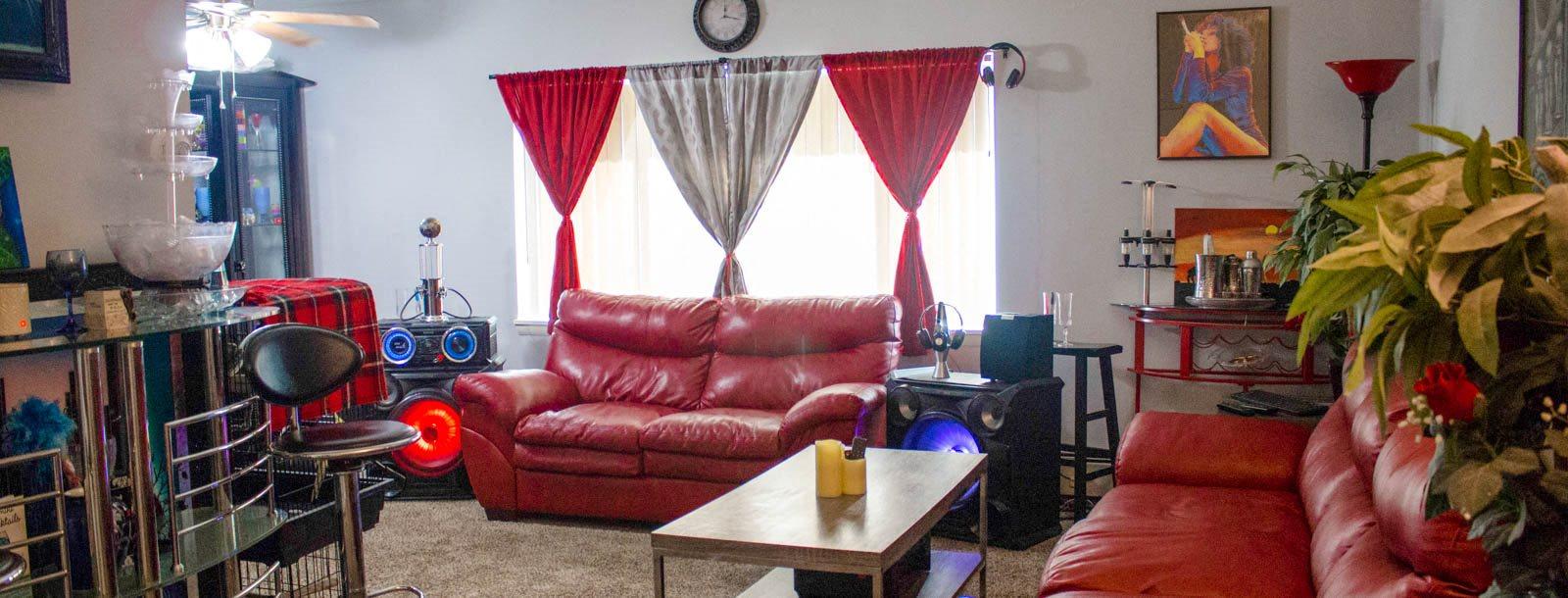 Maple Eastlake Apartments homepagegallery 5