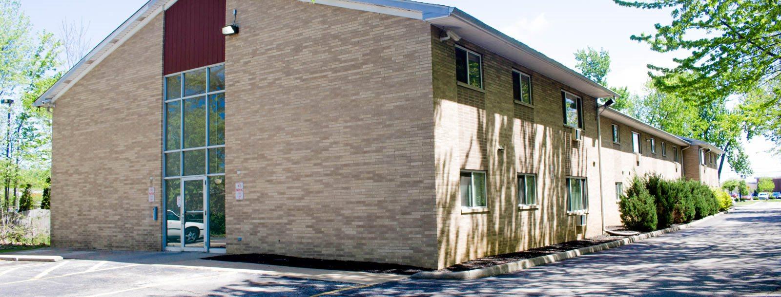 Maple Eastlake Apartments homepagegallery 2