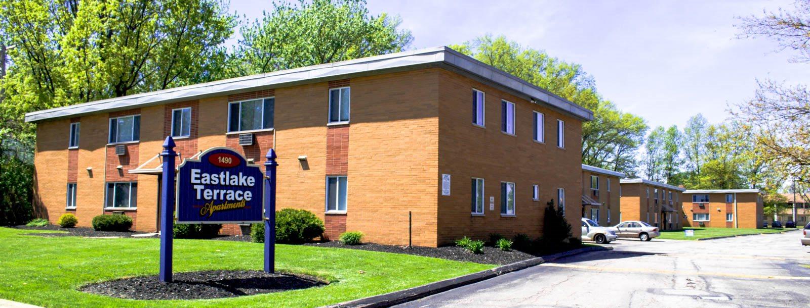 Maple Eastlake Apartments homepagegallery 3