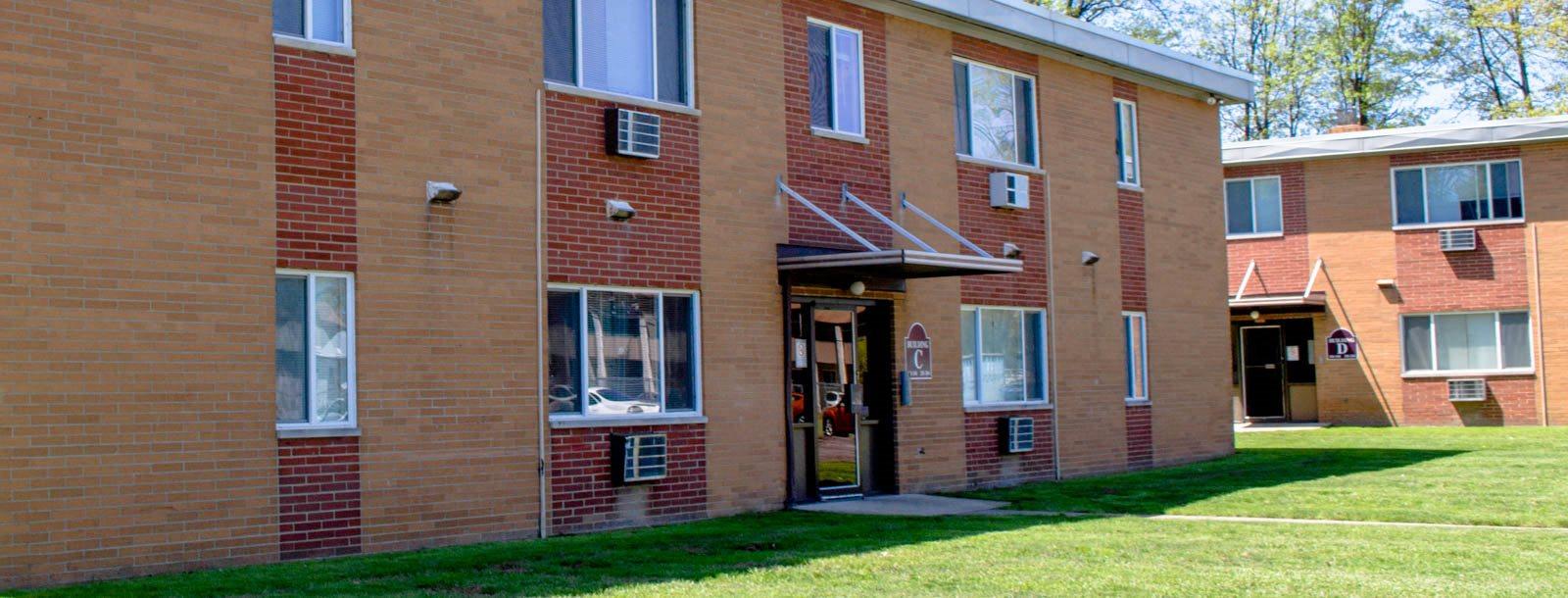 Maple Eastlake Apartments homepagegallery 4