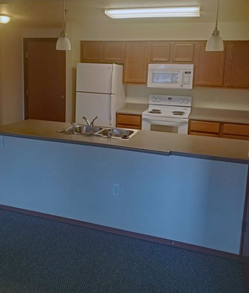 2550 Great Northern Ave 1-2 Beds Apartment for Rent Photo Gallery 1