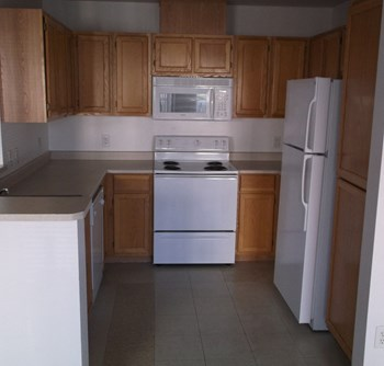 7551 Mountain Laurel Drive 2-3 Beds Apartment for Rent Photo Gallery 1