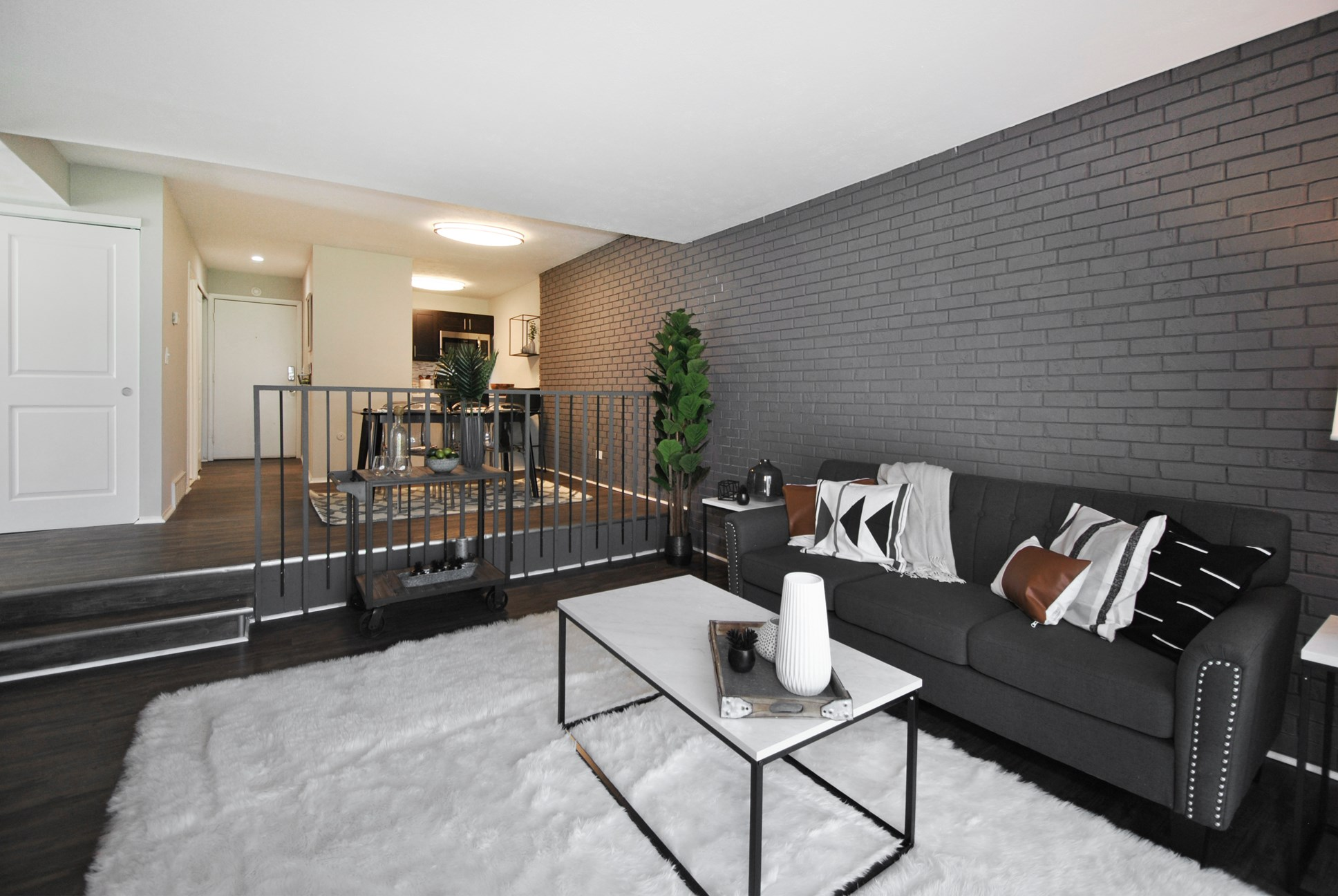 Verona Step-Down Living Area (shown in Renovated style)