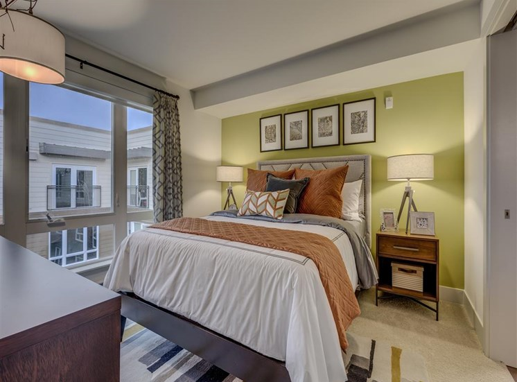 Live in Cozy Bedrooms at Main Street Flats, Bellevue, 98004