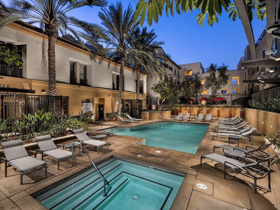 Resort Style Pool Spa At Trio Apartments In Pasadena