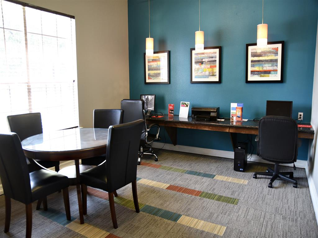 Business Center with High Speed Internet at Club at Stablechase, Houston