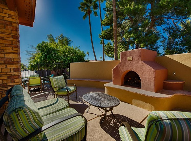 Outdoor Grill and Entertainment Area at Residences at FortyTwo25, Phoenix, AZ