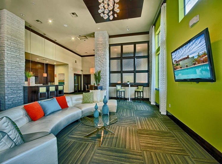 Resident Entertainment Lounge at FortyTwo25 Apartments in Phoenix, AZ