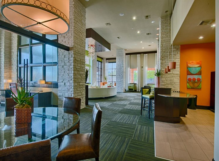 Resident Lounge at FortyTwo25 Apartments in Phoenix, AZ