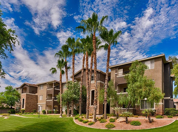 Stonebridge Ranch Apartment Homes for Rent in Chandler, AZ - Palms