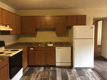 3120/3130 - 32nd St., S. E. 2 Beds Apartment for Rent Photo Gallery 1