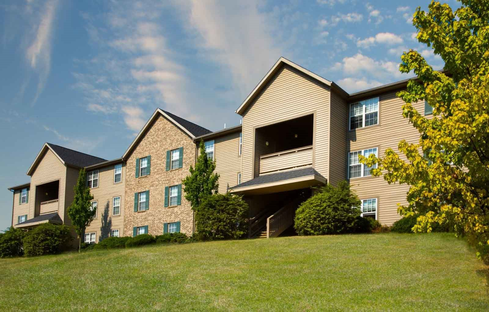 Exterior at Lake Forest Apartments in Westerville, OH