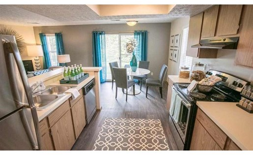 Stainless steel appliances at Perimeter Lakes in Dublin Ohio
