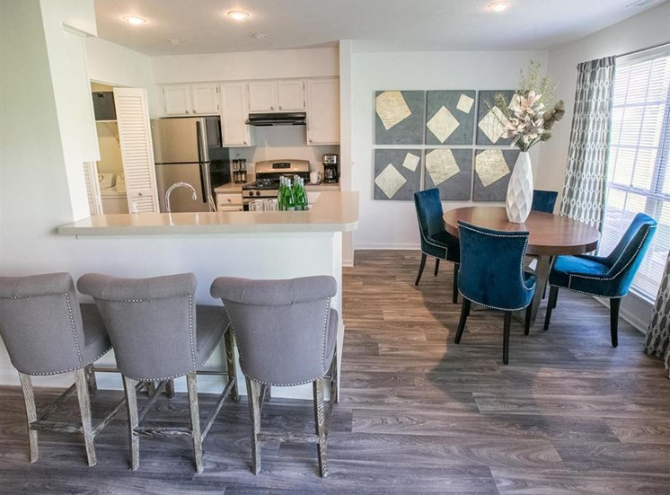 Open kitchen and dining space at Residence at Christopher Wren in Gahanna, OH