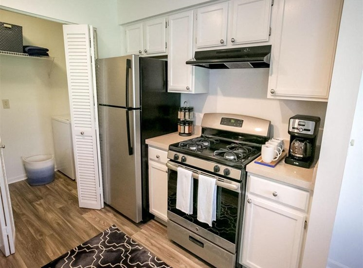 Silver appliances at Residence at Christopher Wren Apartments in Gahanna, OH