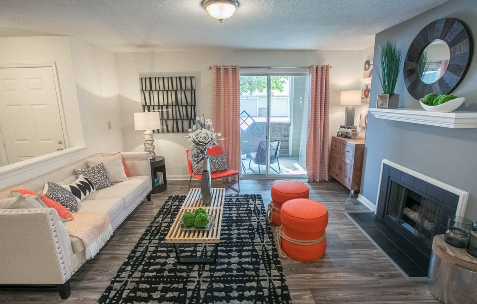 Living space at Saw Mill Village Apartments in Columbus OH