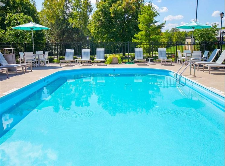 Swimming Pool at Sterling Park Apartments in Grove City Ohio