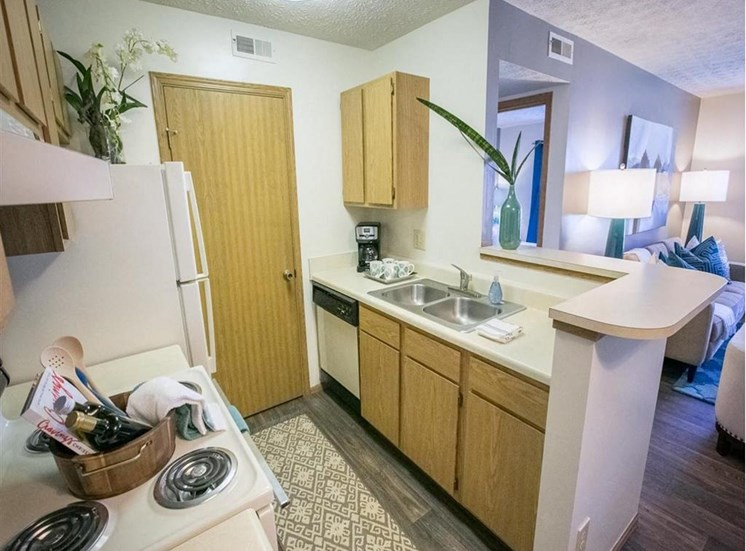 Breakfast Bar at Sterling Park Apartments in Grove City, Ohio