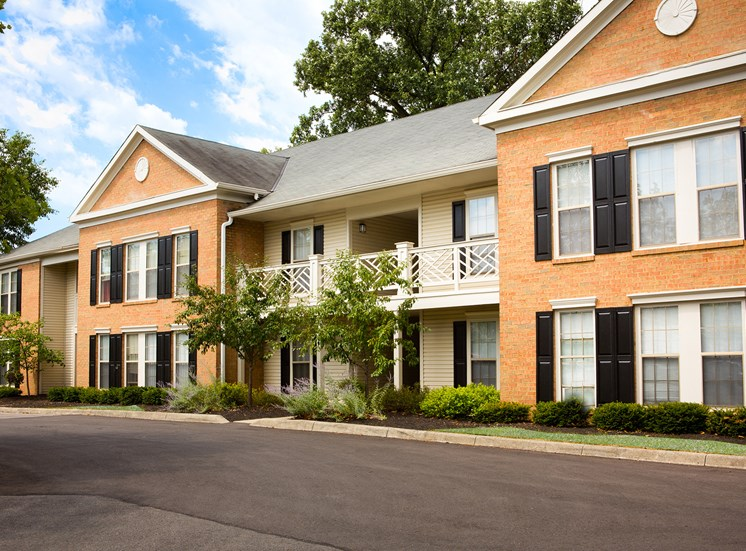 Exterior of Kensington Grove Apartments in Westerville OH
