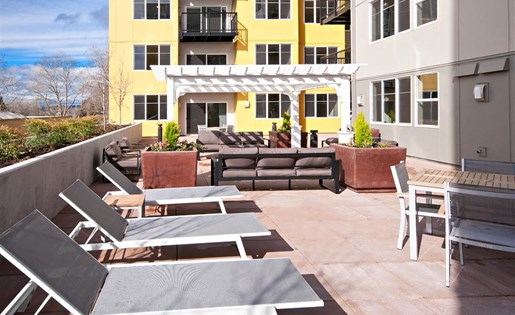 Rooftop Sundeck Area at Second and Main, Renton, WA 98057