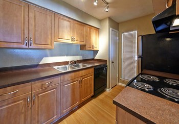 1604 Ridge Haven Dr 1-2 Beds Apartment for Rent Photo Gallery 1