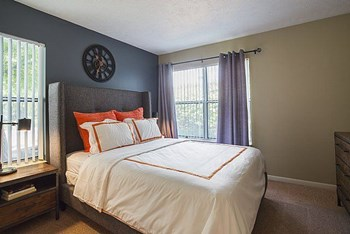 1 Hickory Club Dr 1 Bed Apartment for Rent Photo Gallery 1