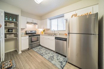 19135 US Hwy 19 N 1 Bed Apartment for Rent Photo Gallery 1