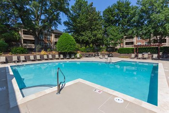 8215 Crescent Ridge Dr 1-3 Beds Apartment for Rent Photo Gallery 1
