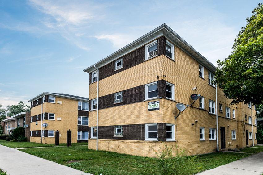 8855 S Cottage Grove Apartments Chicago Exterior