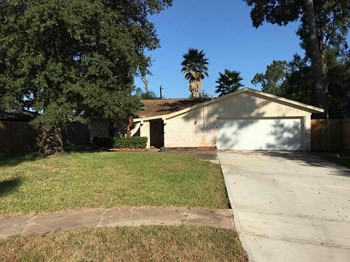 8006 PARKGLEN DR 3 Beds House for Rent Photo Gallery 1