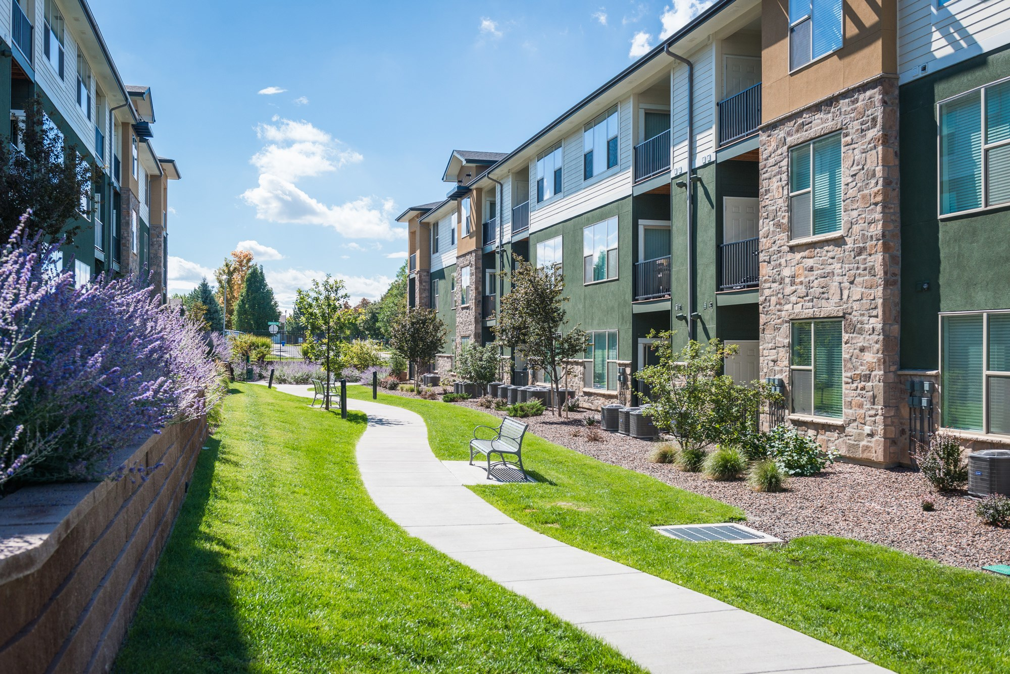 Exterior at Arterra Place Apartments in Aurora, CO