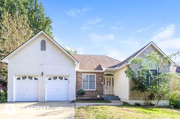 1106 NW Woodlynne Dr 3 Beds House for Rent Photo Gallery 1