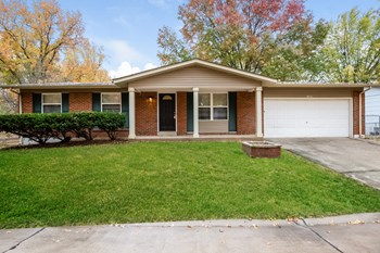 11952 San Andres Dr 3 Beds House for Rent Photo Gallery 1