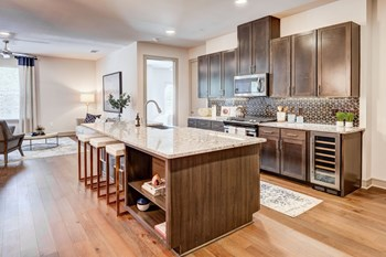 8600 Preston Road 1-3 Beds Apartment for Rent Photo Gallery 1