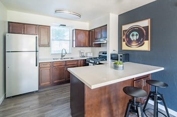 6405 East Indian School Road Studio Apartment for Rent Photo Gallery 1