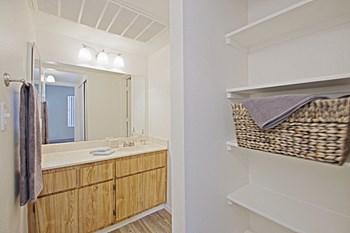 333 East Van Buren Street Studio-2 Beds Apartment for Rent Photo Gallery 1