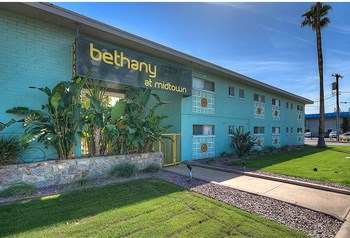 525 E. Bethany Home Rd. Studio-2 Beds Apartment for Rent Photo Gallery 1