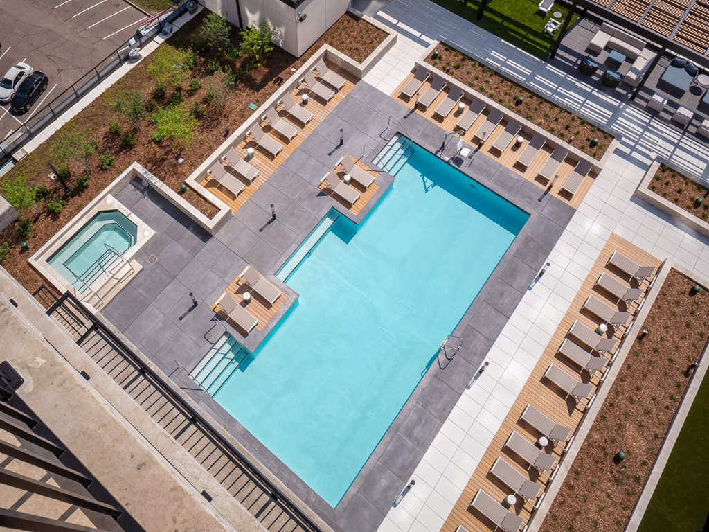 365 Nicollet Aerial Pool View