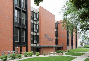 920 Park Avenue 1-2 Beds Apartment for Rent Photo Gallery 1