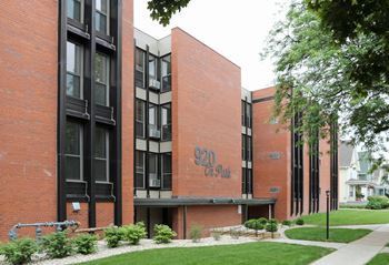 920 ON THE PARK 1-2 Beds Apartment for Rent Photo Gallery 1