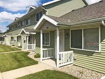 PARKSIDE TOWNHOMES OF REDWOOD FALLS Studio-4 Beds Apartment for Rent Photo Gallery 1