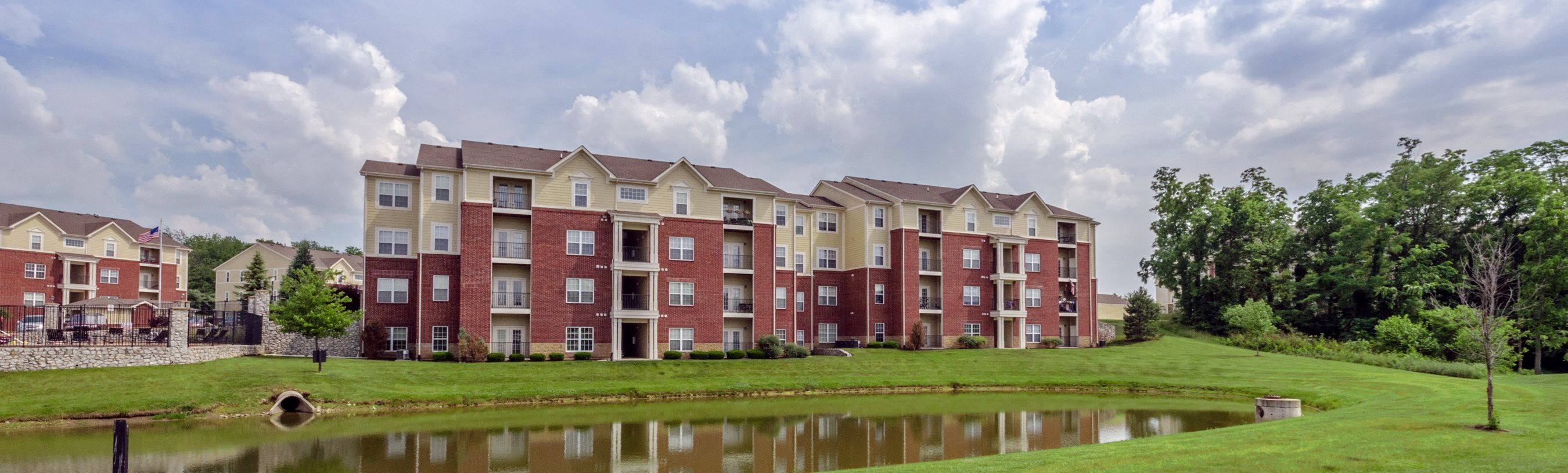Devonshire Apartments - Greenwood Indiana