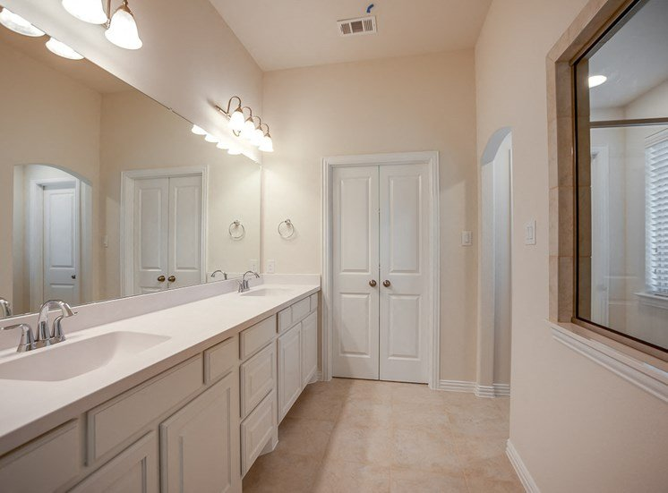 Double Vanity Sinks at Cottages at the Realm, Homes for rent in Castle Hills, TX 75056