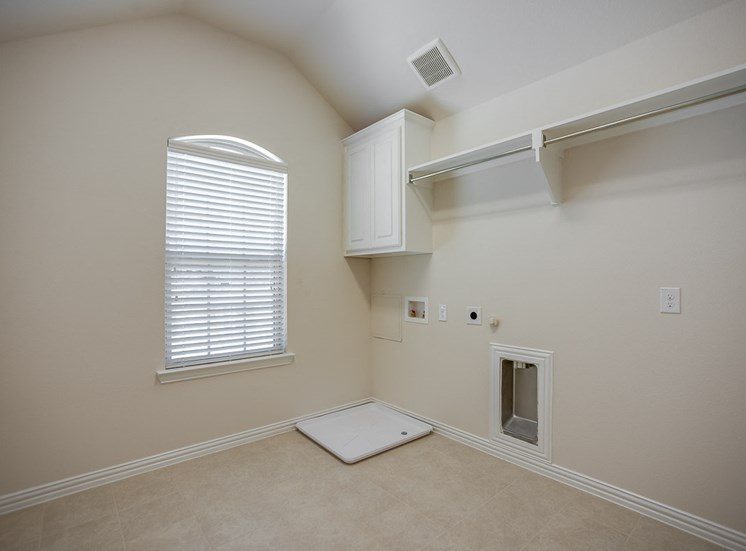 Oversized Laundry Rooms at Cottages at the Realm, Luxury Homes for rent in Lewisville, TX
