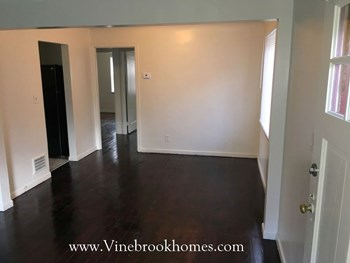 4220 Daleview Ave 3 Beds House for Rent Photo Gallery 1