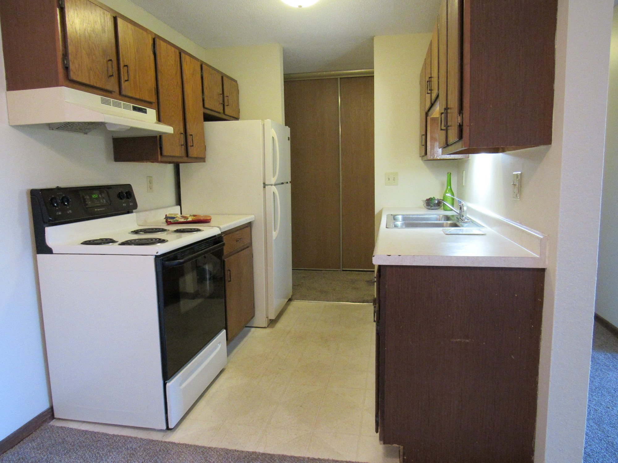 Oakridge Apartments Kitchen Area